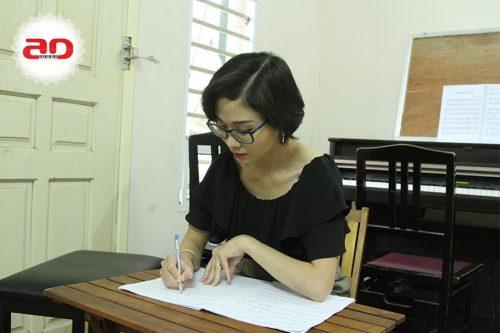 Giang viên Piano, Lý thuyết âm nhạc Nông Thị Quỳnh Hoa
