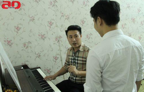 giảng viên thanh nhạc Nguyễn Mạnh Hồng