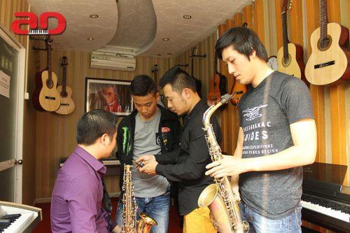 Trở thành nghệ sĩ đa phong cách với khóa học kèn Saxophone