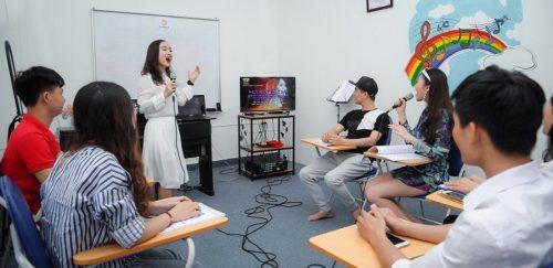 Tham gia khóa học hát karaoke bạn sẽ nhận được những gì