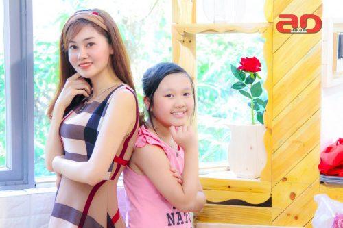 Giảng viên Hồng Nhung và học sinh Ngọc Diệp tuyệt đỉnh song ca nhí