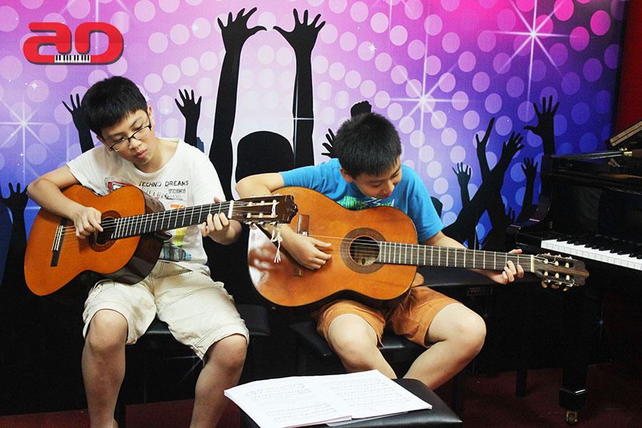 Day hoc dan Guitar co ban (3)