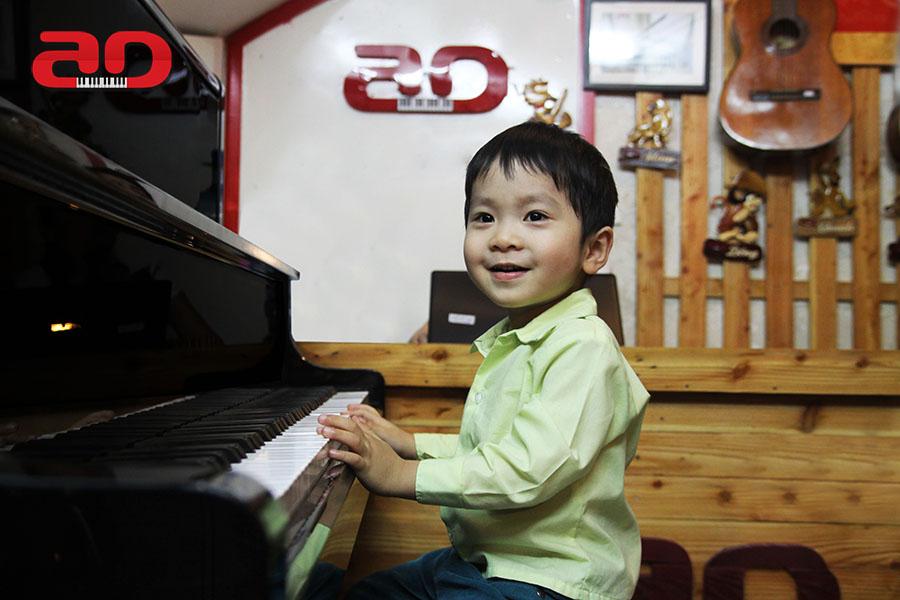 Day hoc dan Piano Adam (10)