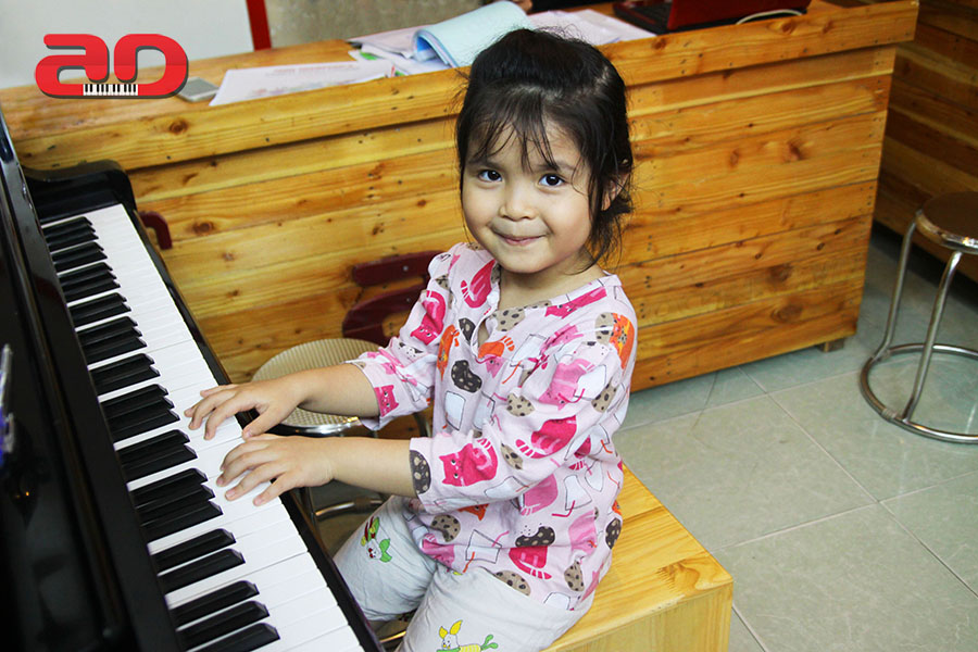 Day hoc dan Piano Adam (11)