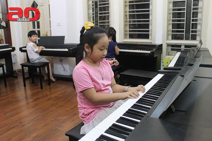 Day hoc dan Piano Adam (15)