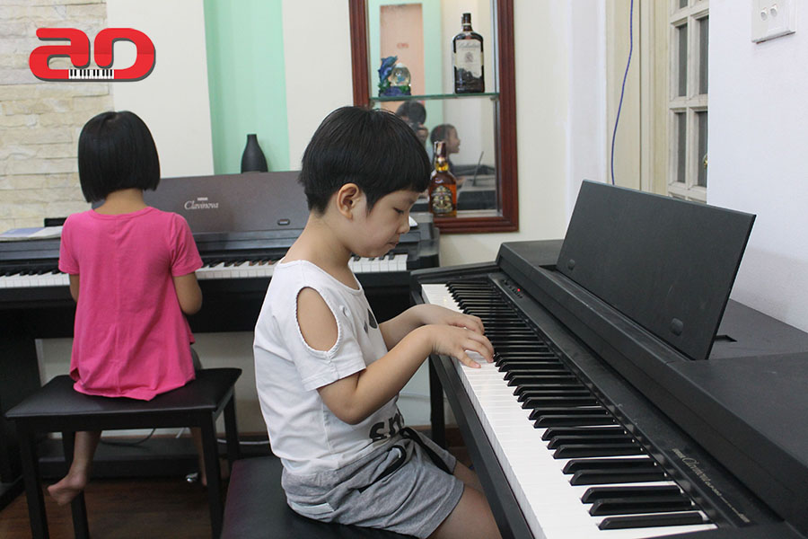 Day hoc dan Piano Adam (17)