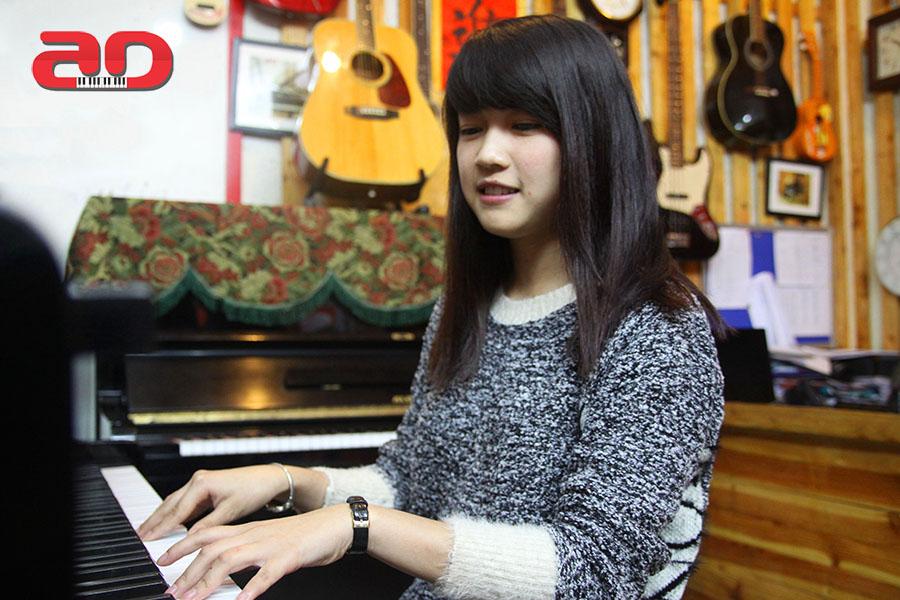 Day hoc dan Piano Adam (4)