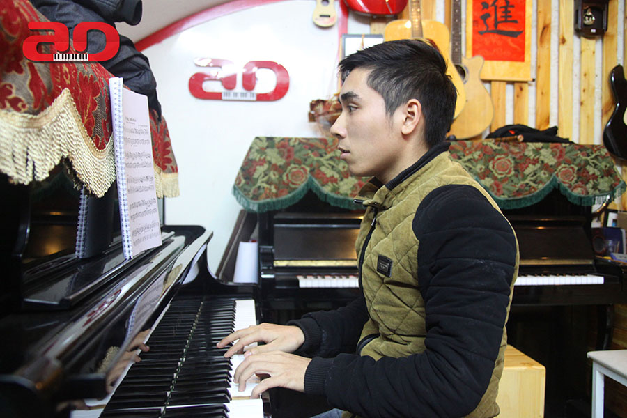 Day hoc dan Piano Adam (6)