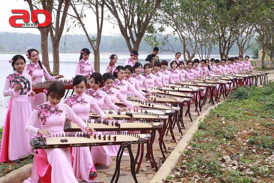 Ngo Thuy Thuong - Dan Tranh (5)
